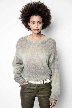 Women's gray sweater. Grey Sweater, Jumper, Pull Gris, Mannequin, Pulls, Fashion Addict, Lana, Knitwear, Sweaters For Women