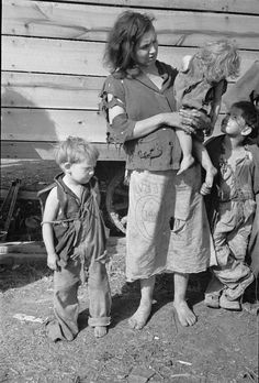 Mother and children living along US Route 70, TN 1936; Library of Congress FSA/OWI photograph collection