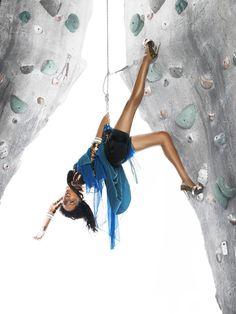 All Next Top Model: ANTM Ciclo 9 Episodio 3: Las chicas van de escalada (3 de octubre del 2007)