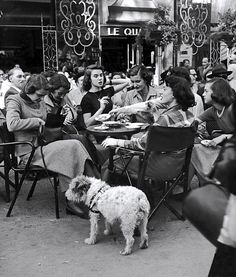 ': American Teenagers in Paris in the A bustling Parisian cafe, Photo by Gordon Parks.A bustling Parisian cafe, Photo by Gordon Parks. Gordon Parks, Vintage Cafe, Vintage Paris, Vintage Black, Parisian Cafe, Old Paris, Vintage Pictures, Vintage Photographs, Belle Photo