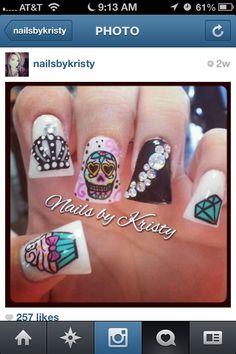 Love it, minus the crazy duck feet nail shape Crown Nail Art, Crown Nails, Long Nail Designs, Beautiful Nail Designs, Diamante Nails, Duck Feet Nails, Sugar Skull Nails, Edge Nails, Coffin Shape Nails
