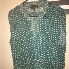 Trendy Blouse! Looks great dressed up or down Never been worn before Green Blouse with off white spots. Sleeveless. Fenn Wright Mason Tops Blouses