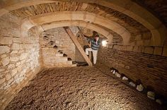 Nice storage cellar for fruit and vegetables or as a wine cellar .- Schöner Vorratskeller für Obst und Gemüse oder als Weinkeller Nice storage cellar for fruit and vegetables or as a wine cellar - Underground Shelter, Underground Homes, Earthship, Root Cellar, Wine Cellar, Survival Shelter, Earth Homes, Homestead Survival, Cabana