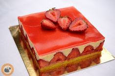 Fraisier, a francia epertorta Sweet Recipes, Mousse, Cheesecake, Strawberry, Pudding, Favorite Recipes, Meals, Baking, Food