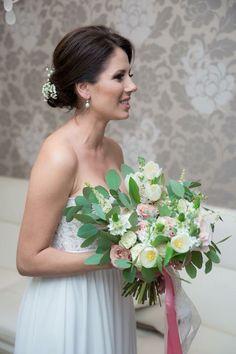 Pastel Bridal Bouquet  Atelier Dual Bucharest #atelierdual #dualflowers #bridalbouquet #bride #florals #pastels #floraldesign Bucharest, Bridesmaid Dresses, Wedding Dresses, Pastels, Florals, Floral Design, Bouquet, Bridal, Fashion