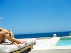 Beachbody oder Bierbauch? Leicht bekleidet und noch blass mit Bikini oder Badehose am Strand oder Pool – bei dem Gedanken würden sich viele am liebsten hinter einer großen Sandburg verbarrikadieren, wie unsere Umfrage zeigt. Wir finden: Urlaub ist kein Laufsteg, sondern zur Entspannung da :-)  Hier gibt's alle Infos zur Umfrage: http://blog.lastminute.de/strandfigur-umfrage-2013/