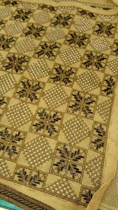 Beaded Embroidery, Embroidery Stitches, Embroidery Designs, Blackwork, Needlepoint, Cross Stitch Patterns, Needlework, Bohemian Rug, Diy And Crafts