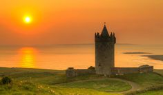 Theres A Reason Irelands Cliffs Of Moher Are Regularly Full Of - 15 amazing castles of ireland