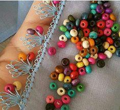 Saree Tassels Designs, Balochi Dress, Crochet Borders, Needle Lace, Beaded Embroidery, Beaded Crochet, Tatting, Needlework, Diy And Crafts
