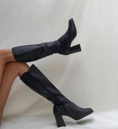 Outstanding womens fashion are offered on our web pages. Have a look and you wont be sorry you did. Dr Shoes, Cute Shoes, Me Too Shoes, Shoes Heels, Pumps, Look Fashion, Fashion Shoes, Womens Fashion, Fashion Pics