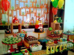 Venha se apaixonar por esta linda Festa Angry Birds!!Muitas fofuras nesta decoração.Imagens do Facebook Mari Findlay Festas Infantis.Lindas ideias e muita inspiração.Bjs, Fabíola Teles.Mais id...