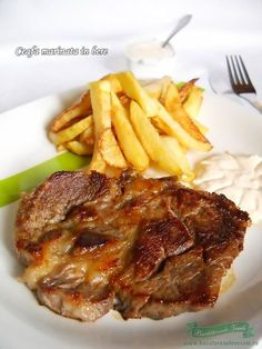 Ceafa de porc marinata in bere Healthy Family Meals, Healthy Snacks, Healthy Recipes, Pork Recipes, Cooking Recipes, My Favorite Food, Favorite Recipes, Romanian Food, Lebanese Recipes