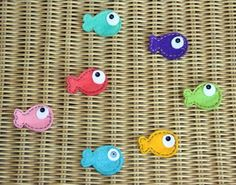 Little felt fish, would be so cute on some hair clips this summer!