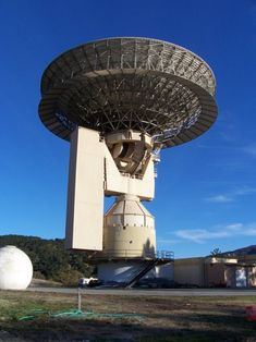 Wanna tweet to aliens? Cold War dish to target deep space  Lone Signal is a crowdsourcing project to send signals to hypothetical aliens who live around a star that's 17 light-years away. What could go wrong?