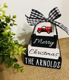 Black Christmas Decorations, Christmas Crafts For Gifts, Homemade Christmas Gifts, Plaid Christmas, Christmas Signs, White Christmas, Christmas Hallway, Buffalo Check Christmas Decor, Christmas Centerpieces