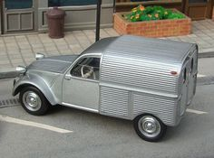 2cv6, Cool Vans, Automotive Design, Old Cars, Cars And Motorcycles, Vintage Cars, Tractors, Dream Cars, Classic Cars
