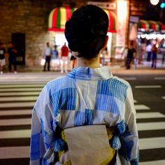 Pass in Present #kyoto #japan #traditional #modern #modernpast #youkata #japon #japonese #pupuru #yukata #wifirental #japon