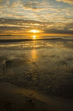 Reflected sun on 500px by Artjom Roznev, Forssa, Finland ☀ PENTAX K-5-f/22-1/10s-18mm-iso80, 3264✱4928px-rating:92.4