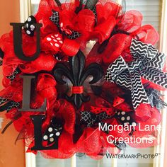 Custom wreaths! $40 Find us on Facebook Morgan Lane Creations