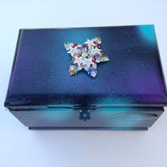 Galaxy shooting star keepsake box. Upcycled by Harvestmoonholiday. Vintage jewelry and cigar box