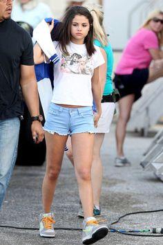 Selena Gomez Photos: Selena Gomez, Ashley Benson, and Vanessa Hudgens on Set Together