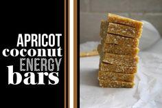 Apricot Coconut Energy Bars makes 8 (a Shutterbean original) cup cashews Raw Food Recipes, Snack Recipes, Sweet Recipes, Brunch, Coconut Bars, Coconut Oil, Good Food, Yummy Food, Energy Bars