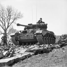 Comet_tanks_of_the_2nd_Fife_and_Forfar_Y