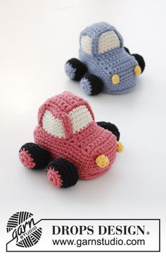 My First Car - Crocheted car for baby. Piece is crocheted in DROPS Paris. - Free pattern by DROPS Design Crochet Car, Crochet Baby Toys, Crochet Girls, Crochet Patterns Amigurumi, Knitting Patterns Free, Free Crochet, Free Knitting, Free Pattern, Drops Design