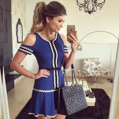 """De hoje! Vestido @raizzdamoda  • #lookdodia #lookoftheday #selfie #ootd #blogtrendalert"" Girly Girl Outfits, Glamour, Ootd, Blouse Designs, Casual Looks, Short Dresses, Fashion Dresses, My Style, Womens Fashion"