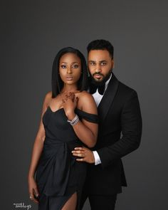 You'd Love to See Omotara and Illyrmz's Super-Chilled Pre-Wedding Shoot Couple Photoshoot Poses, Couple Posing, Couple Shoot, Engagement Photo Poses, Engagement Couple, Beach Engagement, Engagement Pictures, Couple Noir, Studio Photography Poses