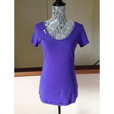 Lole Purple Semi Fitted Organic Cotton Tee Sz M Excellent like new condition.  Purple Lole tee size medium.  95% Organic cotton.  5% elastine.  Cute button detail on neckline. Lole Tops Tees - Short Sleeve
