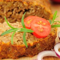 This Italian seasoned meatloaf recipe is easy to prepare and cook in the crockpot or slow cooker. Italian seasonings and Mozzarella cheese give nice flavor to this tasty slow cooker meatloaf. Low Carb Meatloaf, Meatloaf Recipes, Meatball Recipes, Healthy Meatloaf, Sausage Recipes, Slow Cooker Recipes, Crockpot Recipes, Cooking Recipes, Slow Cooking