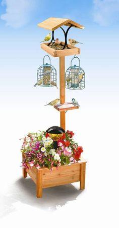Wooden Bird Feeders, Bird House Feeder, Diy Bird Feeder, Outdoor Wood Projects, Diy Wood Projects, Wood Crafts, Garden Crafts, Garden Projects, Bird Tables