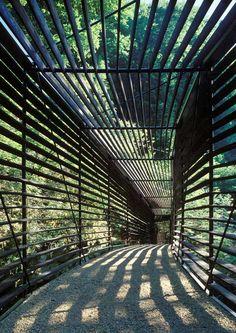 Passarela L'Areuse. Geninasca Delefortrie Architectes. Combe des Epines, Boudry, Neuchatel, Suíça. 2001 - 2002.