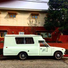 Toyota pickup camper #Toyota #santamonica #campervan #vanlife #vanspotting #vanlove #westsidela