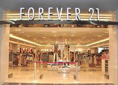 Un des magasins incontournables de New York est Forever 21, une sorte de H&M en encore moins cher!