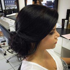 Bom sábado a todos! Hj é dia de  #hairdo #hair #hairstyle #updo #subeauty #daniloborgesss #bride #maquiagem by daniloborgesss http://ift.tt/1OFxISs