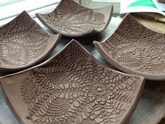 Resultado de imagem para Hand Built Pottery Ideas click now for more. Ceramic Spoons, Ceramic Clay, Ceramic Plates, Clay Plates, Hand Built Pottery, Slab Pottery, Ceramic Pottery, Pottery Art, Ceramics Projects