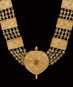 Gold Temple Jewellery, Gold Jewellery Design, Indian Jewelry Sets, Gold Jewelry Simple, Gold Earrings Designs, Jewelry Collection, Fashion Jewelry, Oriental, Collections