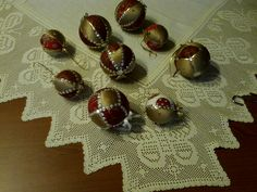 kanzaschy vianoce Ornament Wreath, Ornaments, Wreaths, Home Decor, Decoration Home, Door Wreaths, Room Decor, Christmas Decorations, Deco Mesh Wreaths
