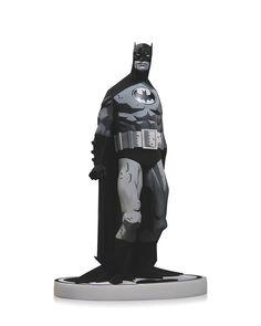 DC Collectibles – 【BATMAN X MIKE MIGNOLA】黑白蝙蝠俠雕像 BLACK & WHITE STATUE 經典復刻 | 玩具人Toy People News