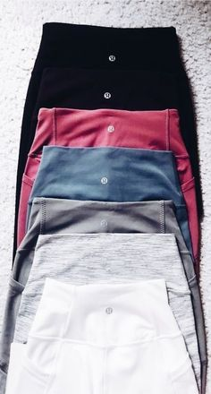 want a pair of the Align II lulu pants in Charcoal grey or black, that are high waisted and long!I want a pair of the Align II lulu pants in Charcoal grey or black, that are high waisted and long! Mode Outfits, Sport Outfits, Trendy Outfits, Fashion Outfits, Fashion 2018, Fall Fashion, Cute Gym Outfits, Fashion Clothes, Style Fashion