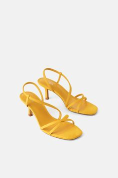 Crossed straps on the front. Elastic band detail in the back. Heel height of cm. Mid Heel Sandals, Shoes Sandals, Kitten Heels, High Heels, Zara, Detail, South Africa, Outfits, Suits