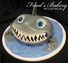 Shark cake - want this for a birthday cake!!  Lol