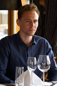 Tom Hiddleston in new set pictures from The Night Manager. Source: RadioTimes http://www.radiotimes.com/news/2016-02-02/tom-hiddleston-olivia-colman-and-hugh-laurie-are-on-the-edge-in-new-set-pictures-from-the-night-manager. Full size image: http://ww4.sinaimg.cn/large/6e14d388gw1f0lbcu77a2j21jk11awu2.jpg