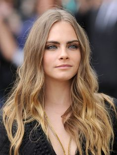 Cara Delevingne - Burberry Womenswear Spring/Summer 2016 - Arrivals -