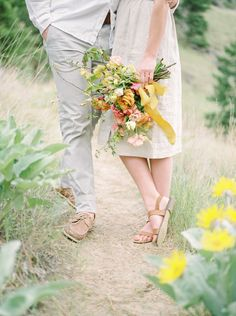 Spring session at God's Mountain in Penticton. Florals by Celsia Floral