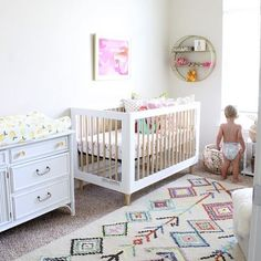 Nursery dreaminess to end this extra-long holiday weekend.   Design by: @lifewithadashofwhimsy