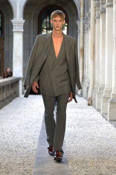 Dunhill Spring 2019 Menswear Paris Collection - Vogue