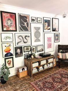 gallerywall gallerywall, postermuur, vintage, eclectic, home living room Decor Room, Living Room Decor, Diy Home Decor, Bedroom Decor, Living Room Gallery Wall, Bedroom Ideas, Living Room Vintage, Artwork For Living Room, Artwork Wall